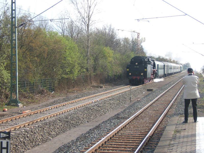 schlepptender lokomotive br 01 118 der historischen eisenbahn frankfurt der rheinblitz auf dem. Black Bedroom Furniture Sets. Home Design Ideas